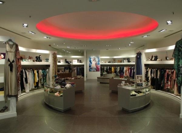 reformas-de-tiendas-en-madrid-led-rojo